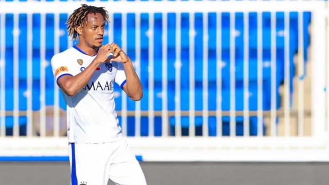 Carrillo (lembra-se dele?) volta a marcar pelo Al Hilal