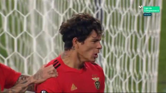 Darwin 'subiu ao primeiro andar' para se estrear a marcar pelo Benfica