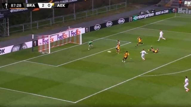 Paulinho marca e assiste. Português serviu para o golo de Ricardo Horta
