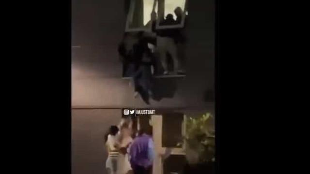 Alunos filmados a saltar de janelas após festa interrompida por segurança