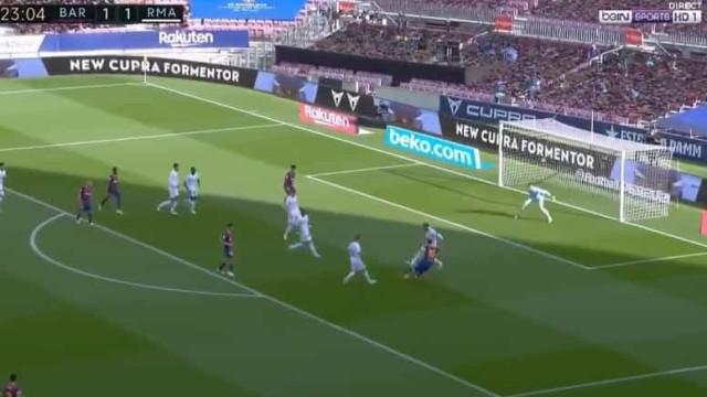 A finta de Messi sobre Ramos que deixou o espanhol 'cego'