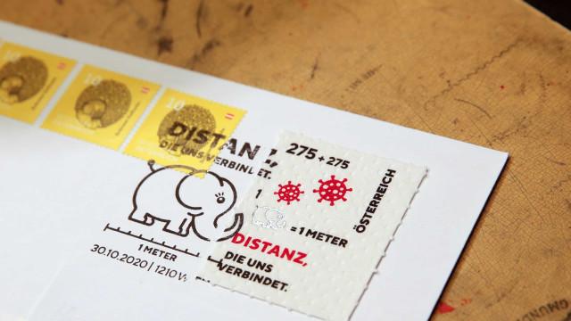 Este selo presta 'tributo' à pandemia e é feito... de papel higiénico