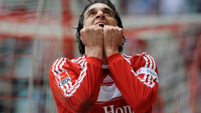 Ex-futebolista Luca Toni assaltado à mão armada em casa