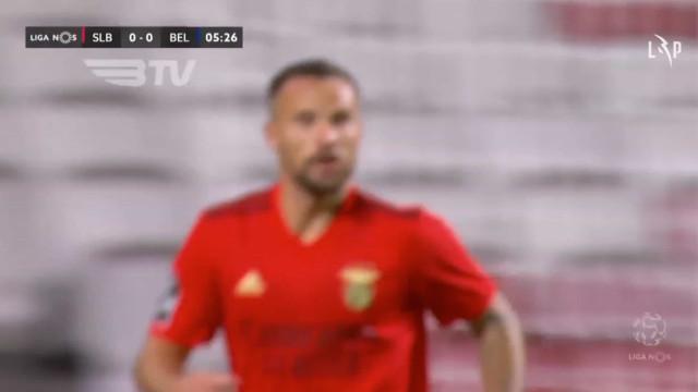 Benfica entra com a 'corda toda' e marca logo aos 6 minutos