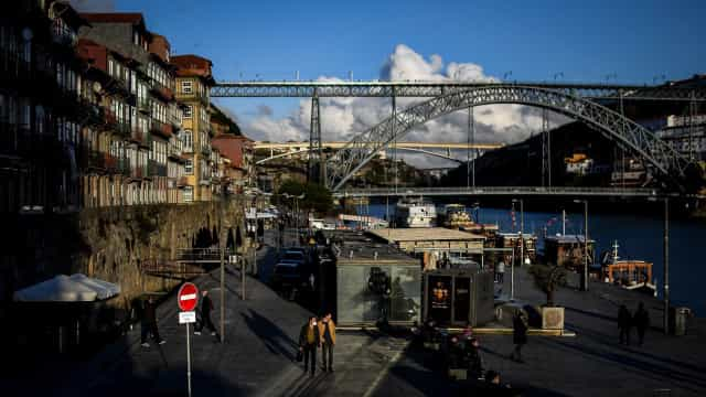 """AO MINUTO: Recolher obrigatório no Porto?; Natal será """"muito diferente"""""""