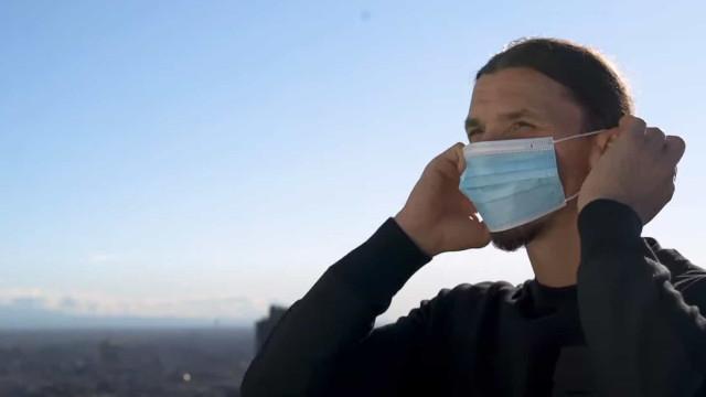 """Ibra pede distanciamento e máscara: """"Eu venci, mas vocês não são Zlatan"""""""