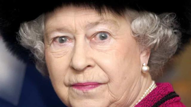 Qual das muitas casas da Rainha Isabel II é assombrada?