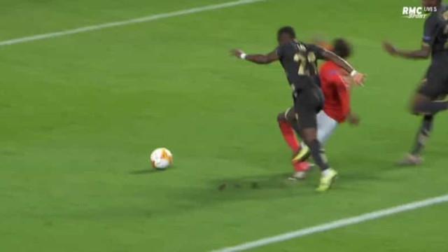 Mais um penálti, mais um golo para o Benfica na Luz