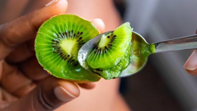 Estudo descobre novo efeito de comer kiwi todos os dias