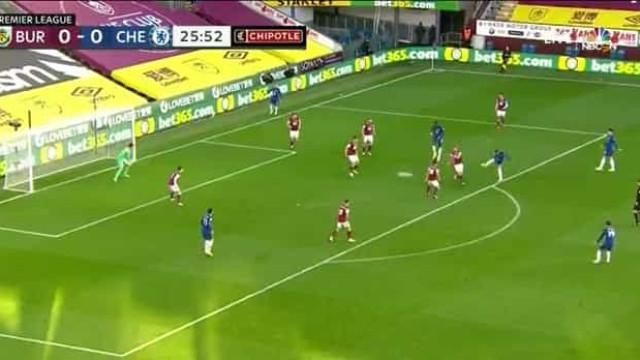 Ziyech estreou-se a marcar na Premier League com este golo