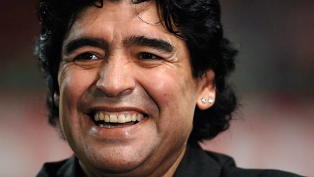 Mundo está de luto. Figuras públicas lamentam a morte de Maradona