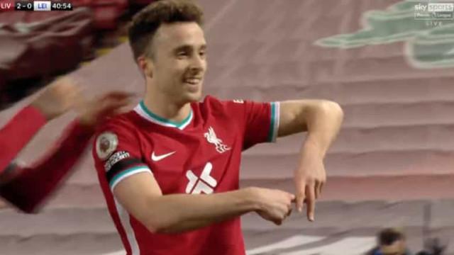 Diogo Jota está 'on fire' e volta a marcar pelo Liverpool... de cabeça