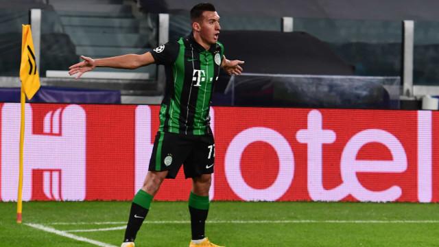 Uzuni marcou à Juventus, festejou à CR7 e recebeu prenda do... português