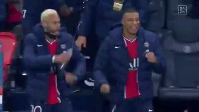 A invulgar celebração de Neymar após a vitória com o RB Leipzig