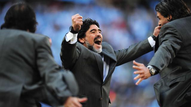 Investigado paradeiro de dinheiro levantado no dia da morte de Maradona
