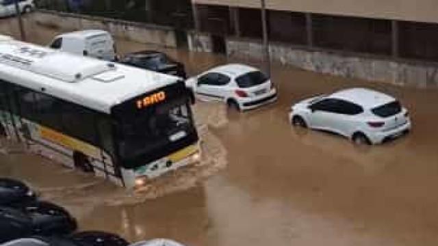 Olhão 'acordou' inundada devido à chuva forte. Eis o vídeo que o comprova