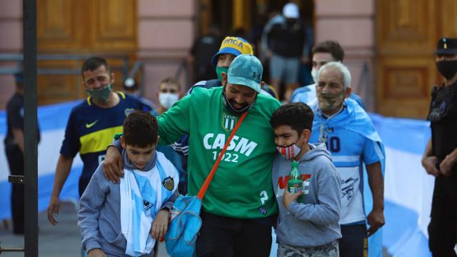 Argentina em comoção despede-se do ídolo Diego Maradona