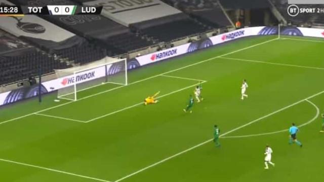Carlos Vinícius já marca. Eis a estreia do brasileiro com o Tottenham