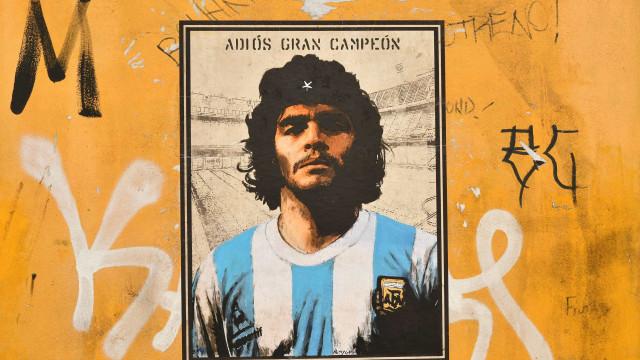 """""""Maradona deixou-se morrer, física e mentalmente"""""""