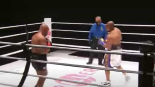 Mike Tyson-Roy Jones: O melhor da luta por que todos esperavam