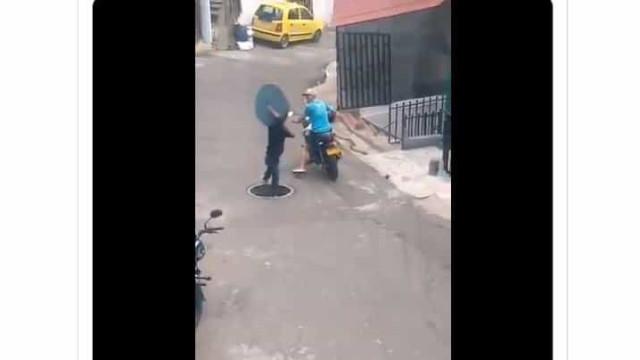 Colômbia. Vídeo viral mostra roubo de tampa de esgoto que não correu bem