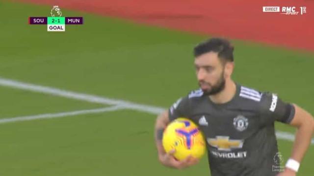 Bruno Fernandes, à 'matador', marca e relança o Manchester United
