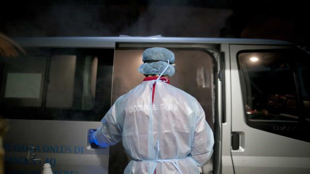 """AO MINUTO: Nova Iorque reabre escolas; """"Meses"""" até crianças terem vacina"""