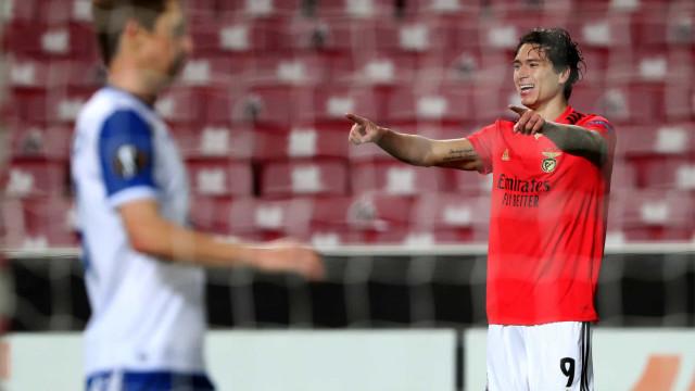 Benfica 'despacha' Lech e garante passagem aos '16-avos' da Liga Europa