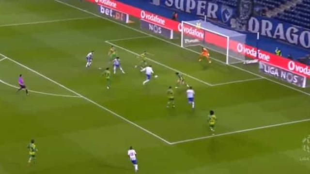 Marega bisa após jogada de nota artística do FC Porto