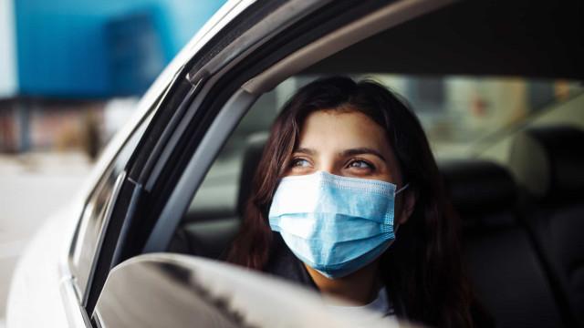 Covid: Estudo identifica as duas janelas do carro que devem ser abertas