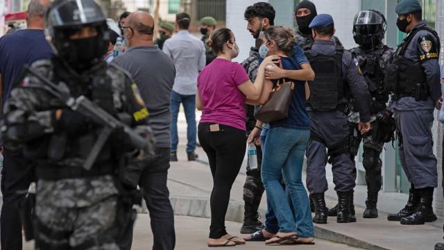 As imagens e os apelos de Manaus, que desespera sem oxigénio