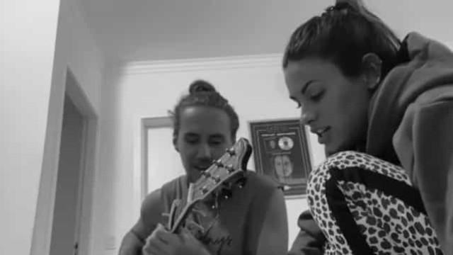 Cheia de saudades, Carolina Loureiro revela vídeo a cantar com o namorado