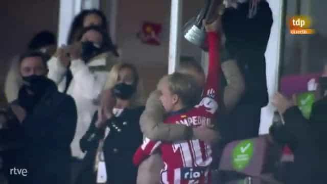 Atlético 'oferece' Supertaça a jogadora que foi operada a tumor cerebral