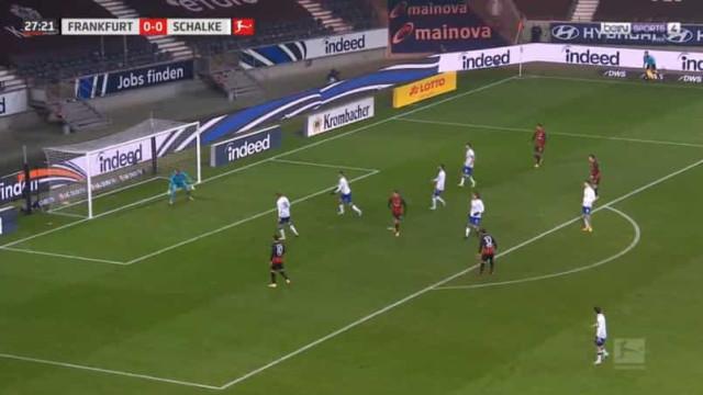 André Silva está 'on fire' e volta a marcar na Alemanha