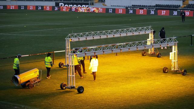 Oficial: Vitória SC-Farense novamente adiado
