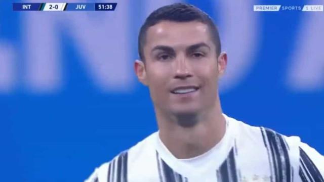 Defesa da Juventus 'meteu água' e a reação de CR7 disse tudo