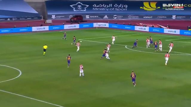 Messi perdeu a cabeça, agrediu adversário e acabou expulso