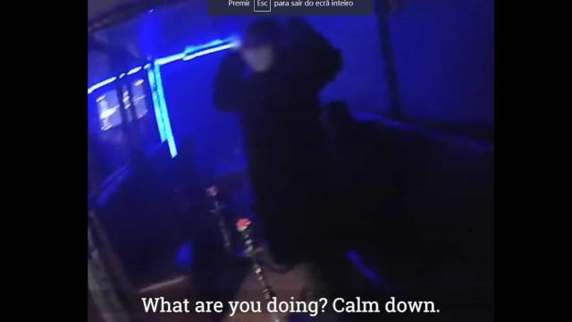 Apesar de confinamento, polícia britânica apanha 29 pessoas em bar