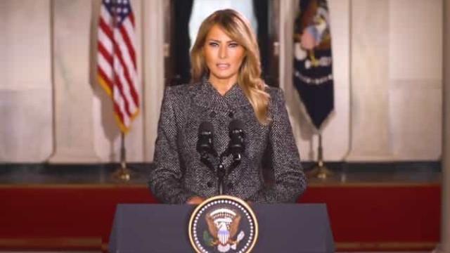 Melania Trump despede-se da Casa Branca com apelos ao amor e à paz