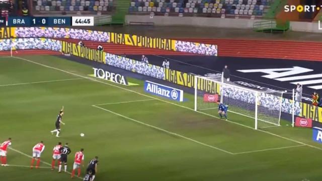 Pizzi foi aos 11 metros e devolveu igualdade ao Benfica sobre o Braga