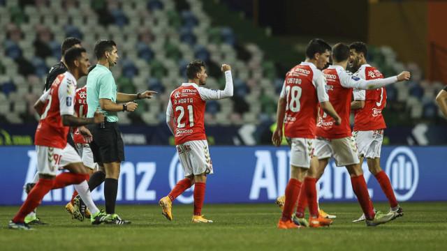 Sp. Braga à boleia de Horta elimina Benfica e marca final com Sporting