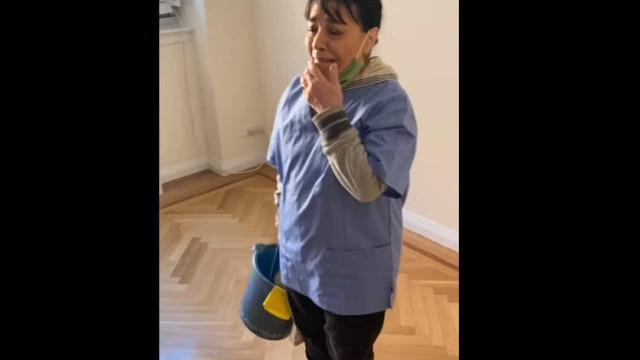 Moradores de prédio decidem oferecer casa a empregada de limpeza