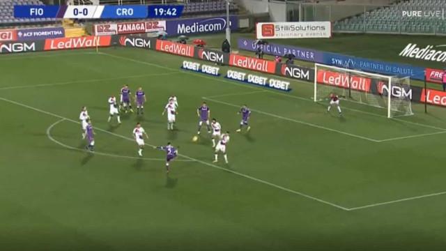 Um golaço para ver e rever no Fiorentina-Crotone