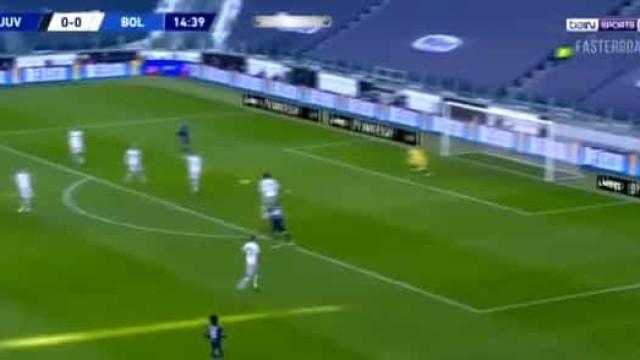 Foi com muita sorte à mistura que Arthur adiantou a Juventus no marcador