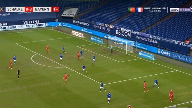 O 'tiro' de Alaba a 35 metros da baliza que selou o triunfo do Bayern