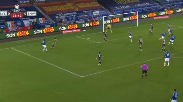 Everton abriu a 'lata' na Taça com esta assistência de André Gomes