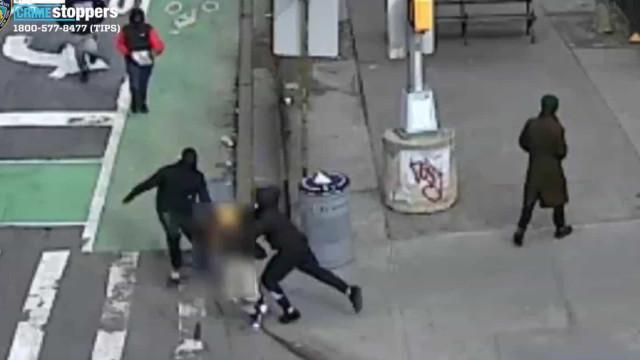 Membro de gang espancado e deixado sem roupa em Nova Iorque