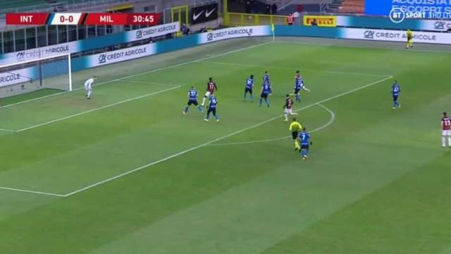 Ibrahimovic 'disparou' e quebrou o nulo no dérbi de Milão