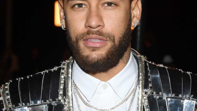 """Neymar fala da vida amorosa e afirma que está """"pronto"""" para casar"""