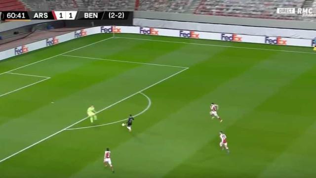 Rafa marcou, colocou Benfica a vencer e Jesus festejou com Rui Costa